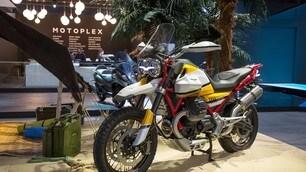 Moto Guzzi V85: foto