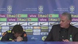 Brasile, Tite difende Neymar: lui scoppia a piangere