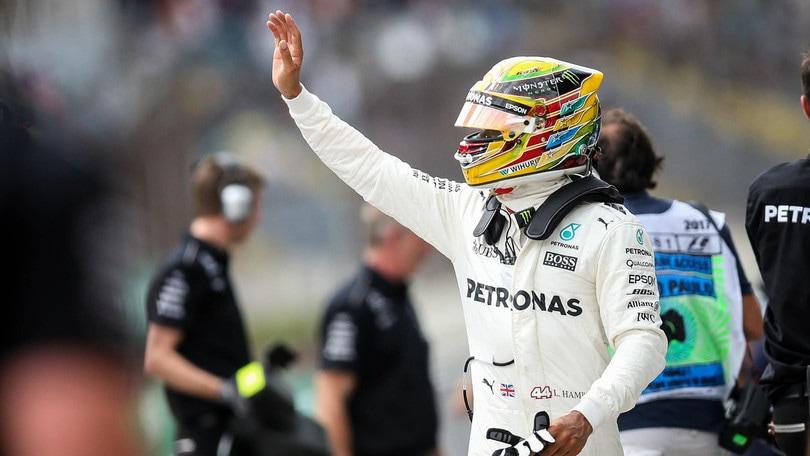 F1 Mercedes, Hamilton: «Schumacher rimane un modello per dedizione e volontà»