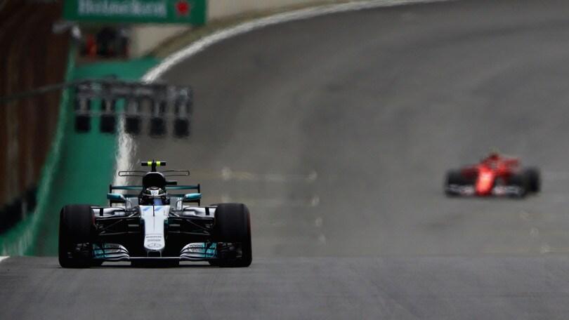 F1, Gp Brasile: Bottas in pole, Vettel secondo
