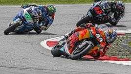 Moto2, Valencia: vince Oliveira davanti a Morbidelli