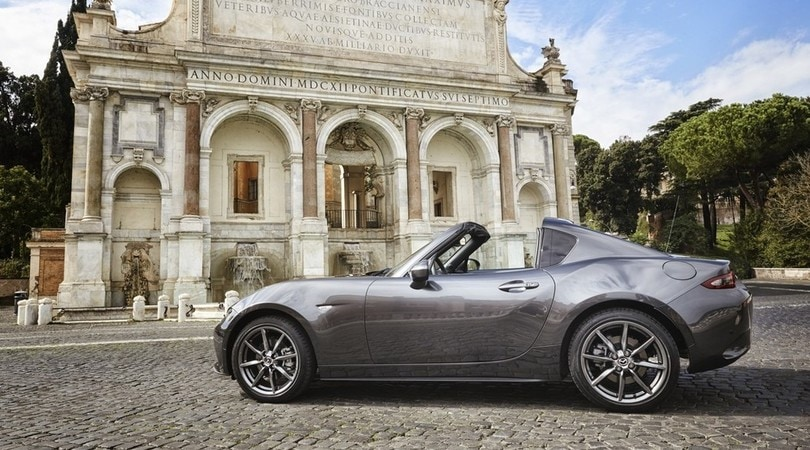 Mazda MX-5 RF, grande piacere, piccole dimensioni: la prova