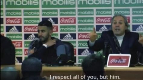 Algeria, il ct Madjer è una furia: si scaglia contro un reporter