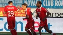 Bari primo col Parma, colpo a Novara. Tris Pescara, cinquine Empoli e Perugia