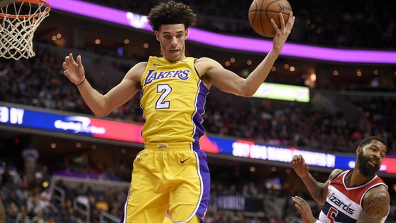 NBA, LaVar Ball attacca i Lakers: