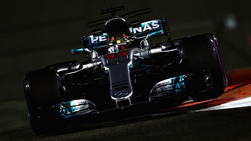 F1, Abu Dhabi: Hamilton guida le seconde libere, Vettel subito dietro