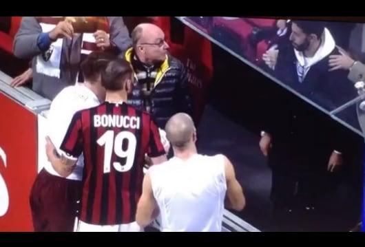 Milan-Torino, bacio e maglia al piccolo Bonucci da Belotti