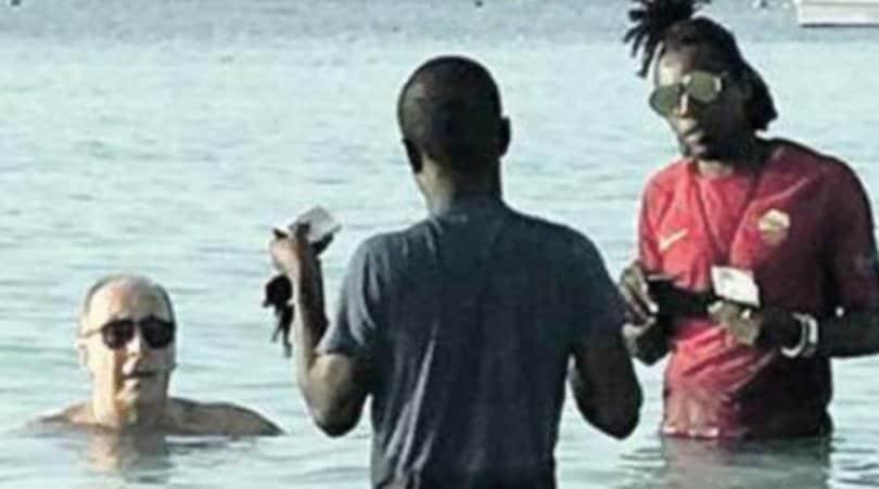 "Italia, Ventura ""Hakuna Matata"" se la gode a Zanzibar"