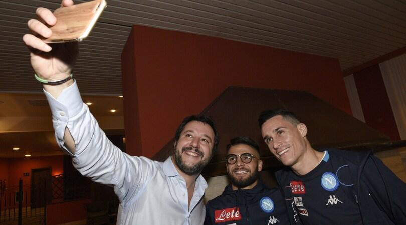 Napoli, Insigne e la foto con Salvini: è polemica sui social