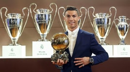 Pallone d'Oro 2017: vince Ronaldo. Cerimonia sotto la Torre Eiffel