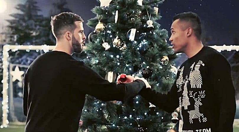 Juventus Buon Natale.Blackandwhitexmas Buon Natale Da Casa Juve
