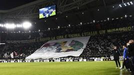 Juventus-Inter, l'Italia è tutta bianconera nella coreografia allo Stadium