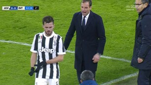Juventus-Inter: Pjanic esce arrabbiato, Allegri non gradisce