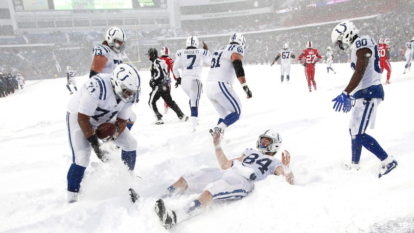 La tempesta di neve non ferma il football americano