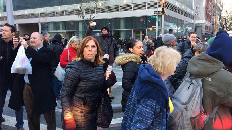 New York, esplosione a Manhattan: una persona fermata, ci sono dei feriti