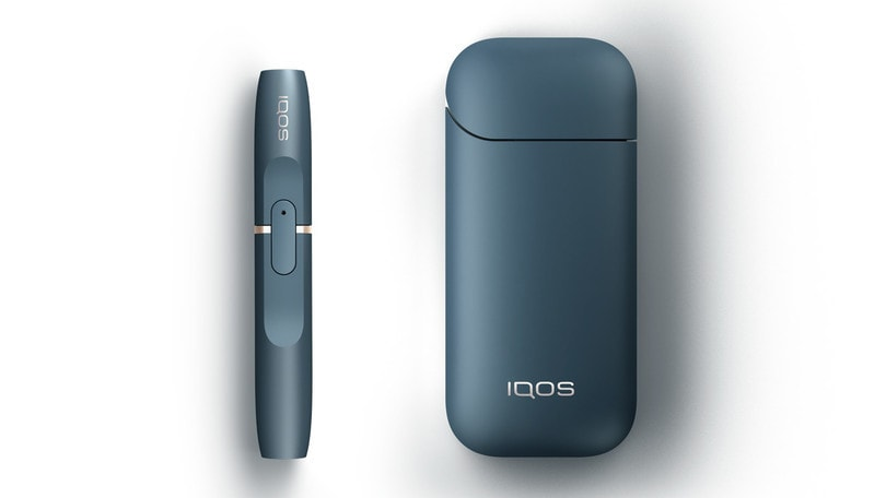 Fumo in auto, l'alternativa Iqos per non svalutare la macchina