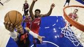 Westbrook doma i Sixers, Spurs travolti a Houston