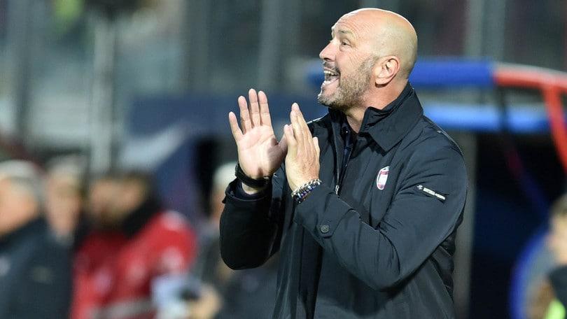 Crotone, Zenga: «Lazio? Chi pensa di perdere lo lascio a casa»