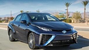 Toyota raddoppia lo sforzo: 10 elettriche entro il 2020