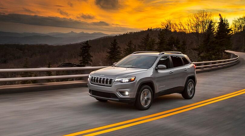Jeep, prima immagine della nuova Cherokee