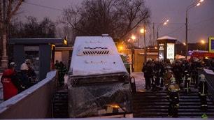 Russia, autobus finisce in un sottopassaggio: 5 morti