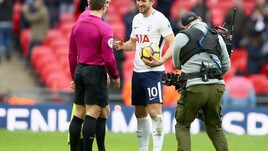 Premier League, super Tottenham: Kane tripletta fantastica