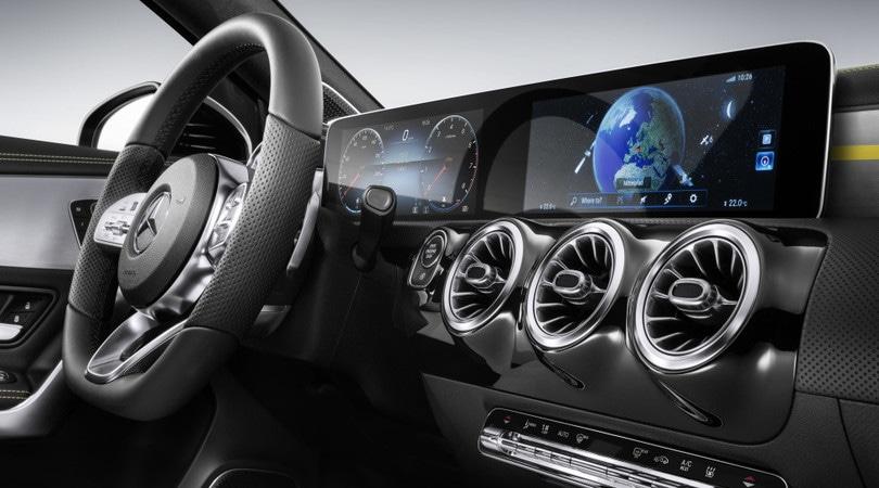 """Mercedes, la nuova Classe A sarà un """"home theatre"""" su ruote"""