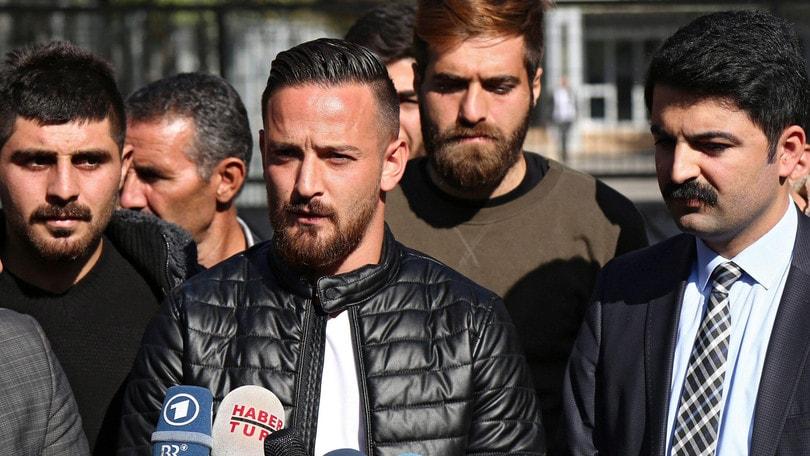 Germania, spari contro l'auto del calciatore turco Naki