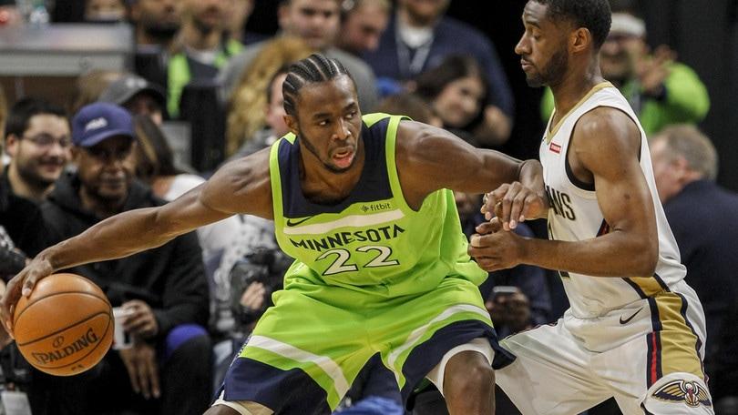 Wiggins travolge Cleveland, Curry regola Denver