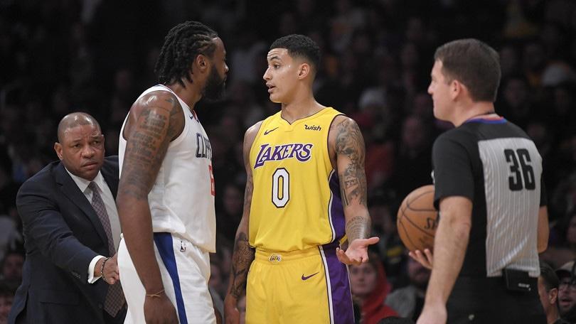 NBA, Kuzma difende Walton: