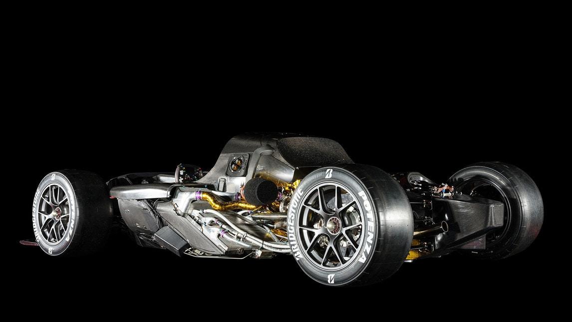 Il marchio giapponese ha presentato a Tokyo il prototipo di hypercar ibrida da 1000 cavalli derivata dall'esperienza nel Mondiale Endurance e alla 24 Ore di Le Mans.