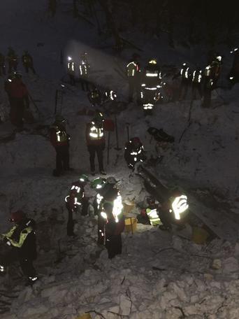Rigopiano:caos soccorsi, altri segnalati