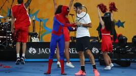 Australian Open Kids Day: Federer e Djokovic contro gli Avengers!