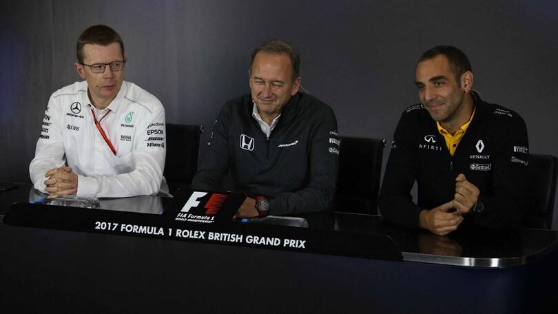 F1, Cowell: «Solo tre motori in una stagione è una pazzia»