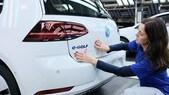 Volkswagen primo gruppo nel mondo e straniera più amata d'Italia