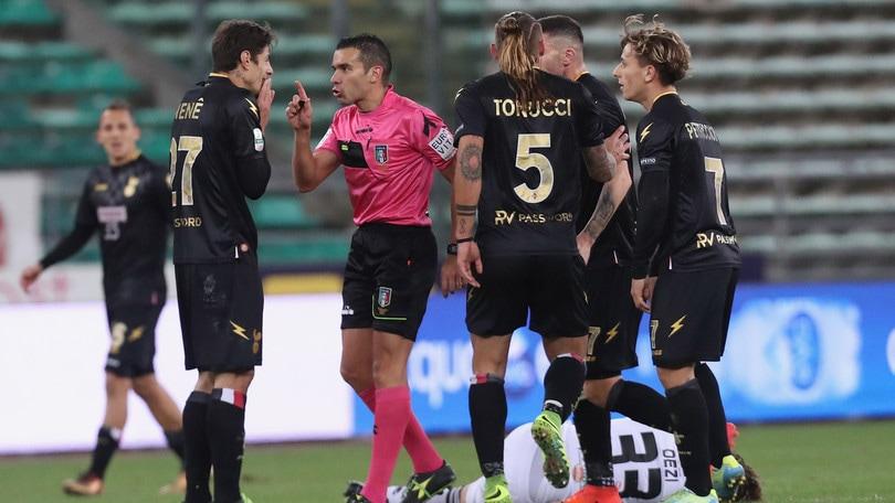 Serie B Spezia-Palermo, arbitra Piccinini. Marini per Cesena-Bari