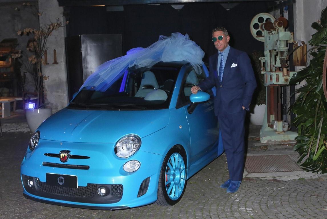 Matrimonio di Carlo Cracco: Lapo Elkann regala una 500 Abarth