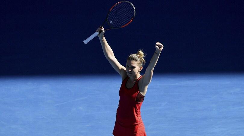Tennis, Australian Open: Halep e Kerber volano in semifinale