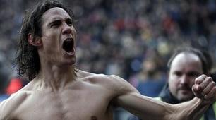 Cavani da record: supera Ibrahimovic e lancia la maglia ai tifosi