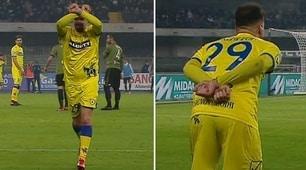 Cacciatore come Mourinho: fa il gesto delle manette