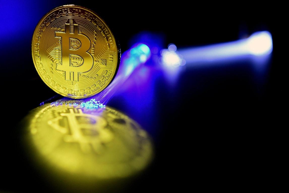 Rivoluzione nel calciomercato: ecco il primo giocatore pagato in bitcoin