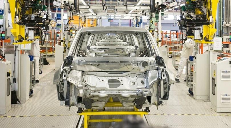 Mercato auto: a gennaio timida crescita, le ibride a +50%