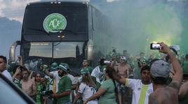 Chapecoense, tifosi avversari irridono la tragedia: chiesta la squalifica del Nacional