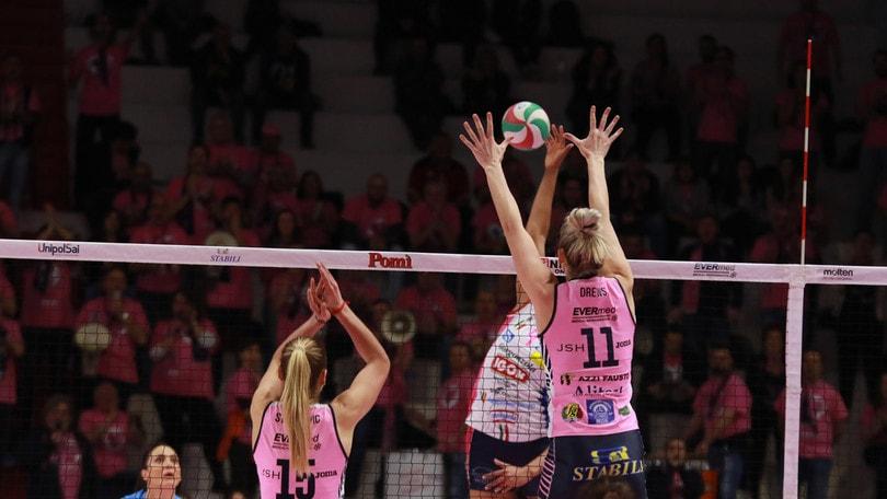 Volley: A1 Femminile, Novara cade a Cremona, Conegliano vince solo al tie break