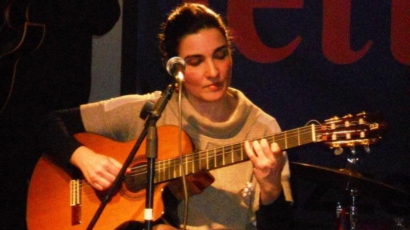 Raquel Silva Joly per il San Valentino di Elegance Cafè