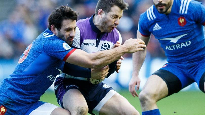 Rugby:notte brava Francia, via in sei