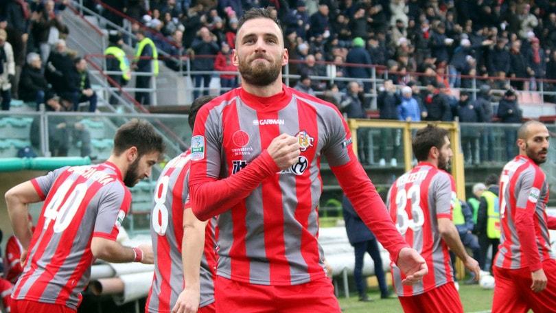 Serie B, il sorpasso Cremonese paga 2,20