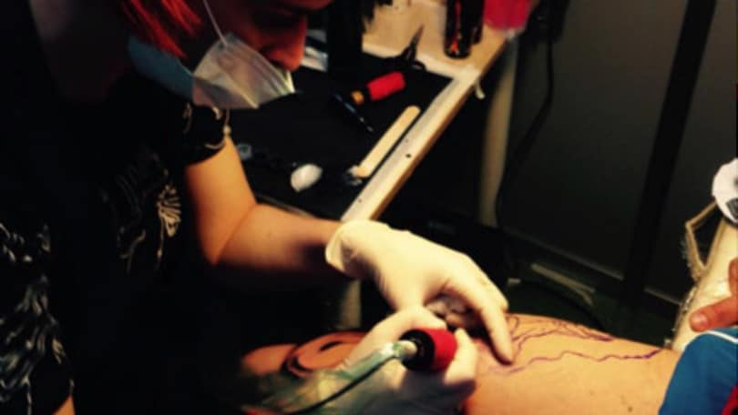 The other side of the ink, il tatuaggio si veste di rosa