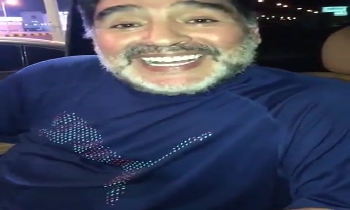 Maradona fa gli auguri a Signori: «Hola Beppe, vieni a Dubai»