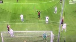 Genoa-Inter, il clamoroso autogol di Ranocchia